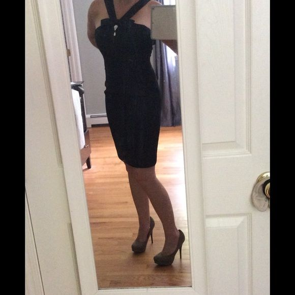 A London Times LBD! This is a well-made, lined dress with a removable brooch. Very sexy dress that I wore once to a wedding...when it fit. Lol London Times Dresses