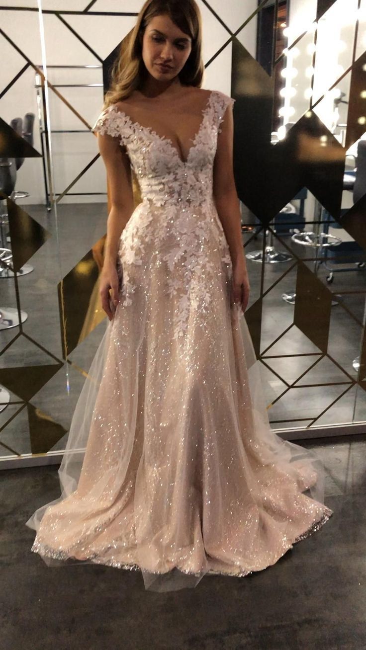 Custom wedding dress 2020.