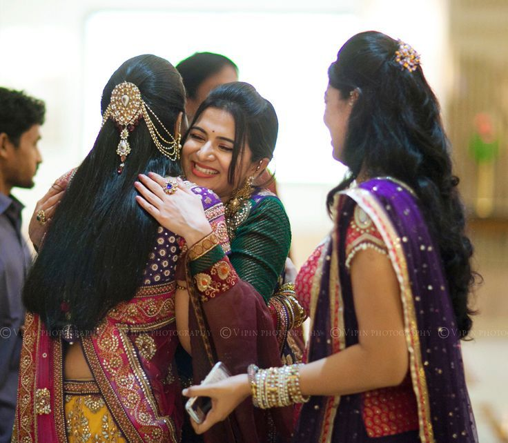 Hairstyle For Bride On Saree: Pin By Lavz On South Indian Brides