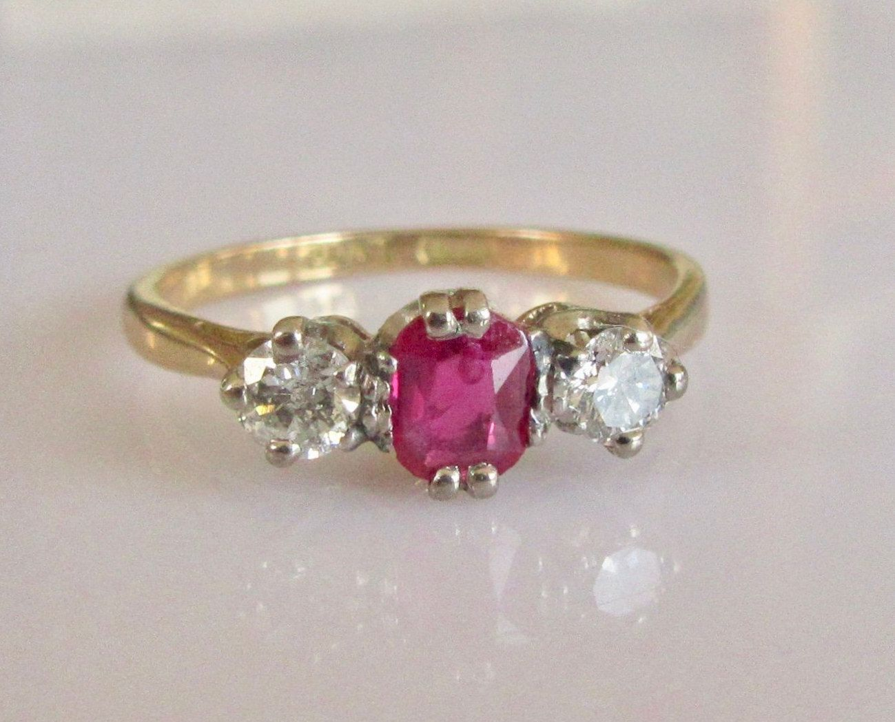 18ct Gold Vintage Ruby & Diamond Trilogy Ring