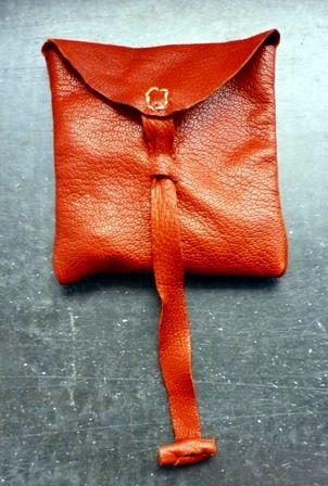 Rekonstruktion einer Tasche aus Elisenhof, gefertigt von Stephan ...