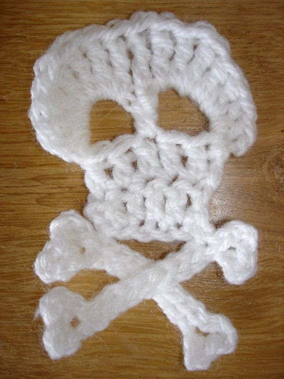 Crochet skull and cross bones pattern | Tejido | Pinterest | Crochet ...