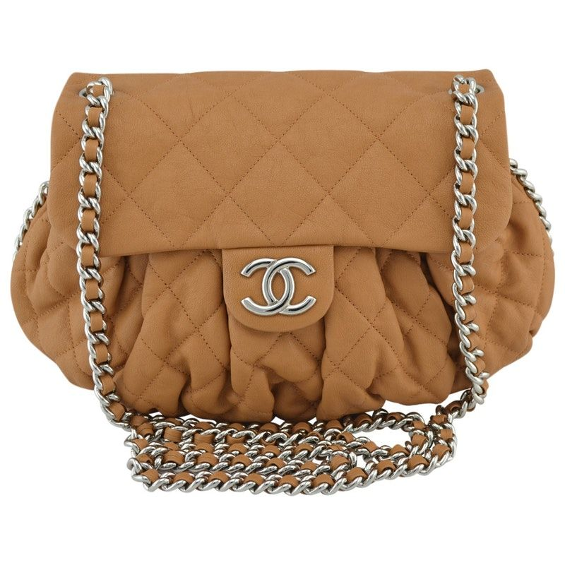 0e6481e774ef Plain Leather CHANEL Handbag - Vestiaire Collective | Handbags ...