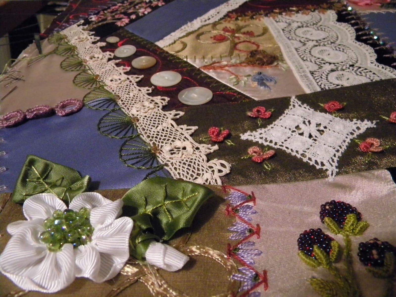 Wagonwife Designs: crazy quilting projects