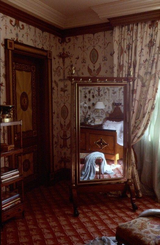 Une psych dans une chambre d cor e par alberto pinto int rieurs et mobilier bourgeois autour for Chambre decoree