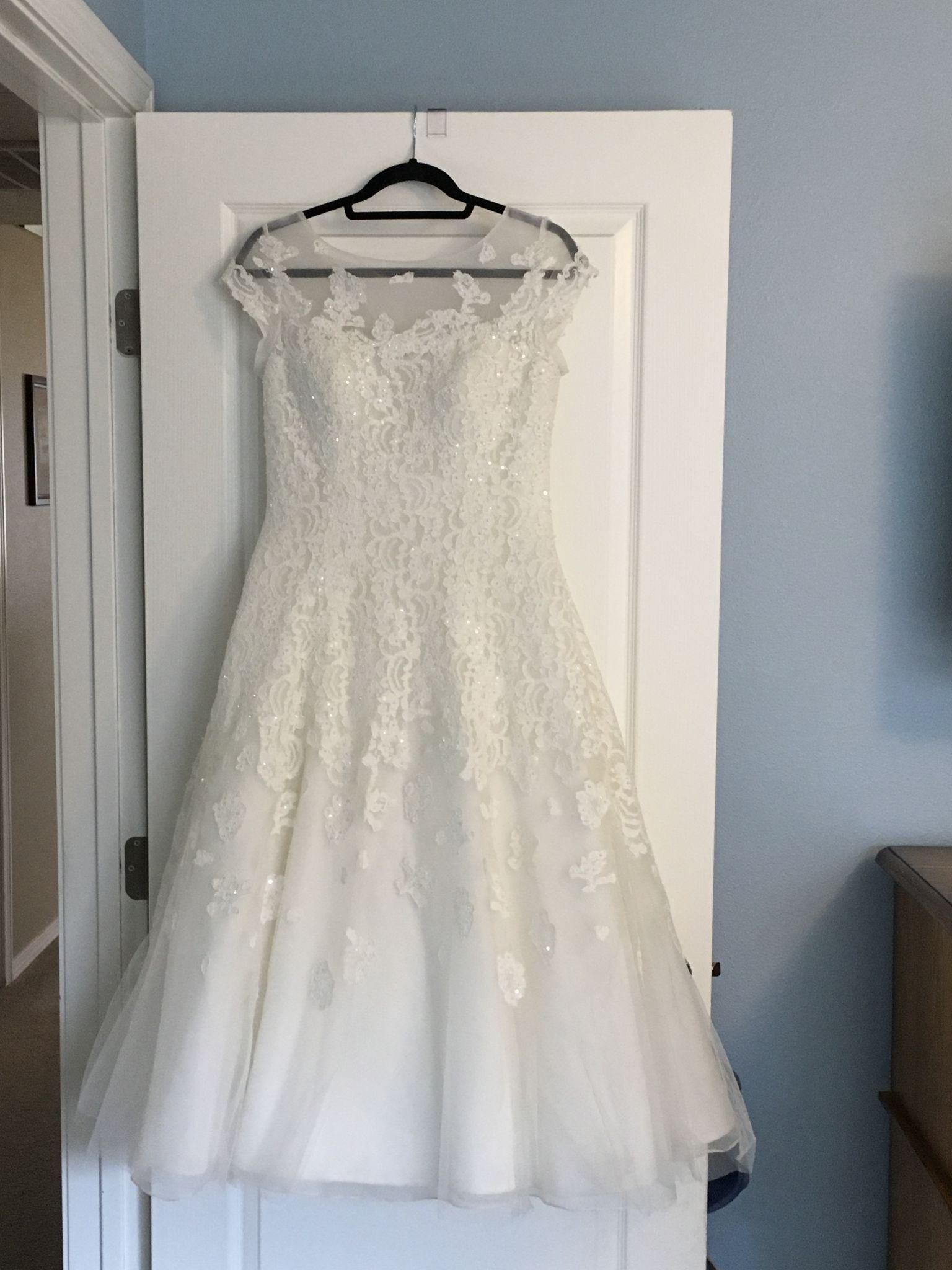 Size 8 wedding dress  Oleg Cassini  Size   Used Wedding Dresses  wedding dresses