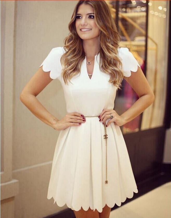 Stylové dámské šaty bílé s výstřihem – Velikost L Na tento produkt se  vztahuje nejen zajímavá sleva 45f222e7dfc