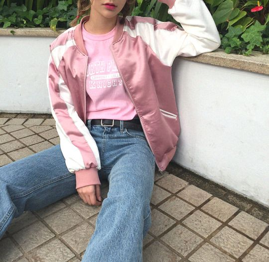 Love the jacket. Beautiful pink colour and the jeans are so cool. Real 90's feels over this one. Love it. Both cool and stylish.
