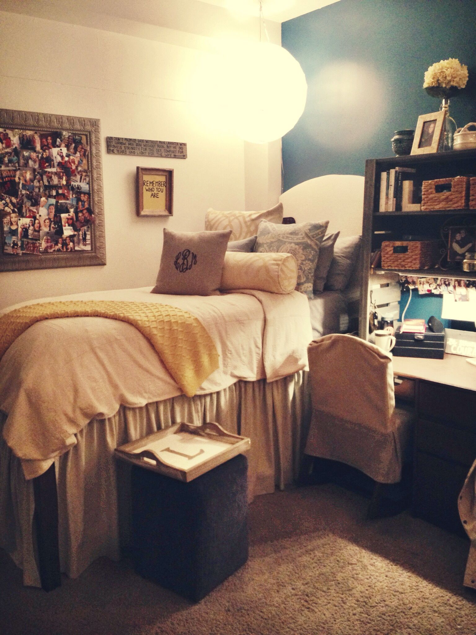 Auburn dorm room c o l l e g e in 2019 cool dorm rooms - Dorm room bedding ideas ...