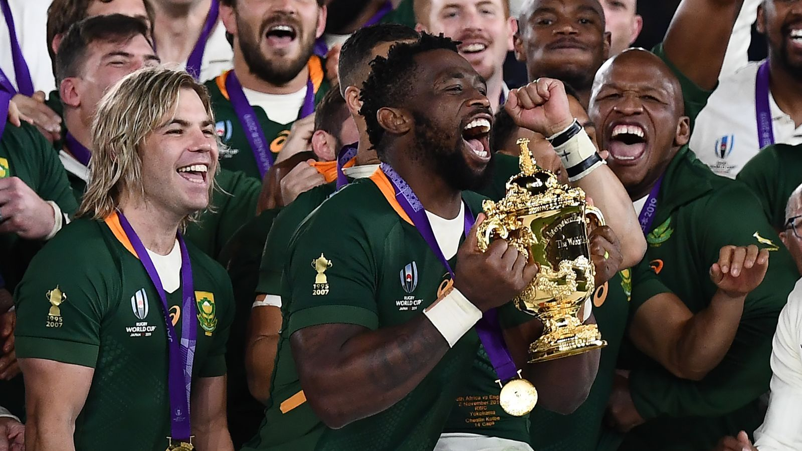 Siya Kolisi The First Black Man To Lead South Africa To Rugby World Cup Glory Rugby World Cup Siya Kolisi Rugby