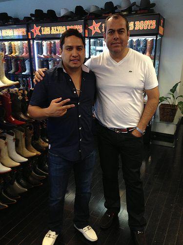 Julion Alvarez visita Los Altos Boots  losaltosboots  julionalvarez  julion   alvarez a1153167a0d