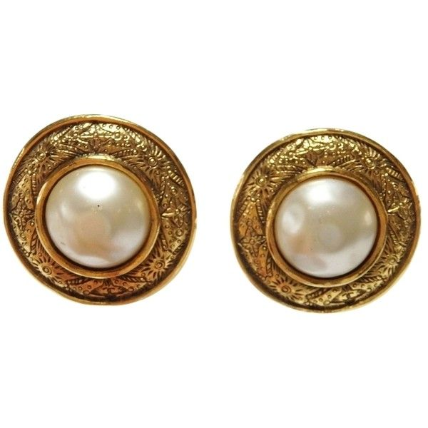 Pre Owned Chanel 2510 Clip On Earrings Goldtone Faux Pearl 240