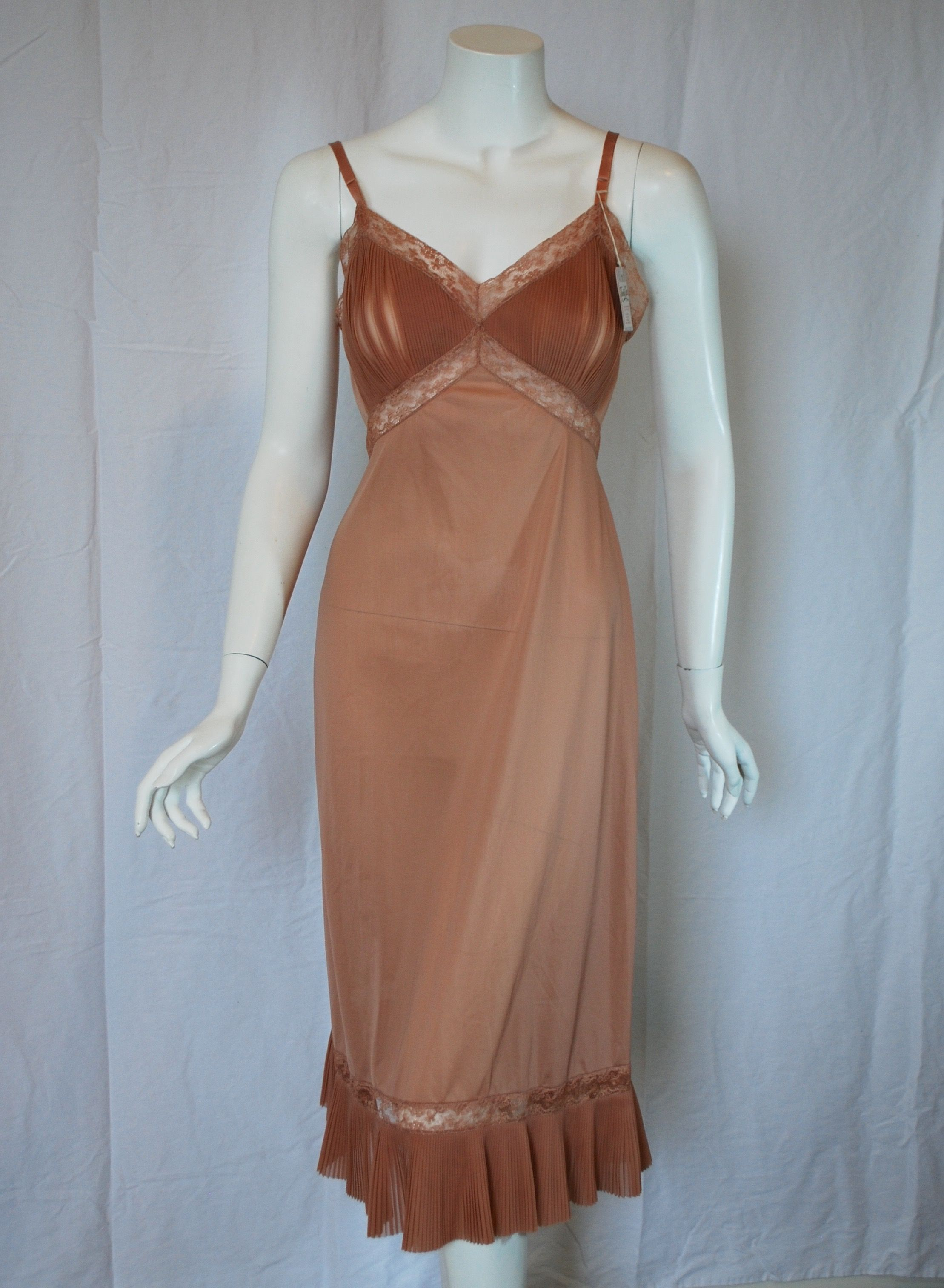 3ad2af11247 1940s Vanity Fair Slip with gorgeous pleating in a lovely Cocoa color - new  old stock