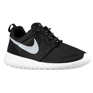 low priced 46489 8b05b Lady's Foot Locker Nike Roshe Runs size 8 Women's black and ...