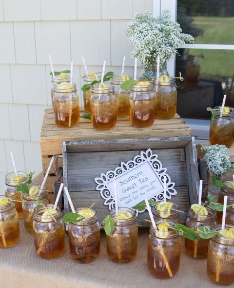 40 Creative And Cute Rustic Bridal Shower Ideas Outdoor Bridal Showers Country Bridal Shower Bridal Shower Decorations Rustic