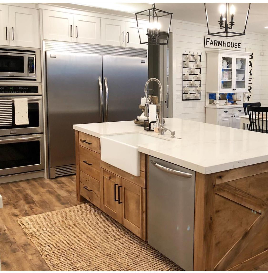 Love The Different Color Island Farmhouse Kitchen Design Kitchen Style Kitchen Renovation