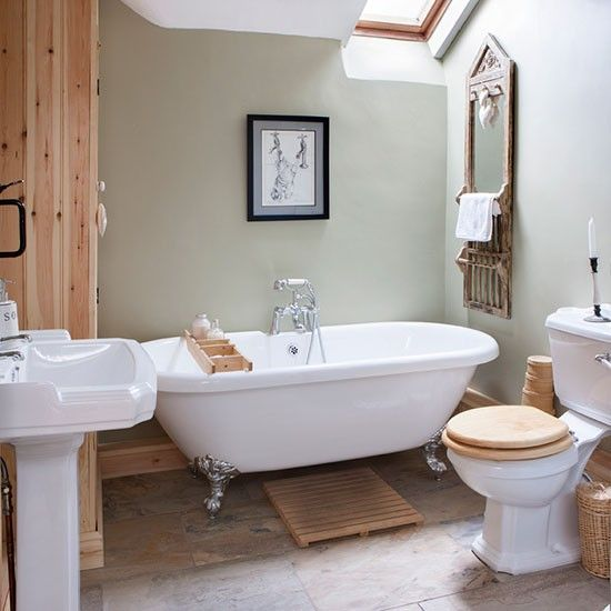 Rustic Country Bathroom Bathroom Makeover PHOTO GALLERY - Country bathroom makeovers