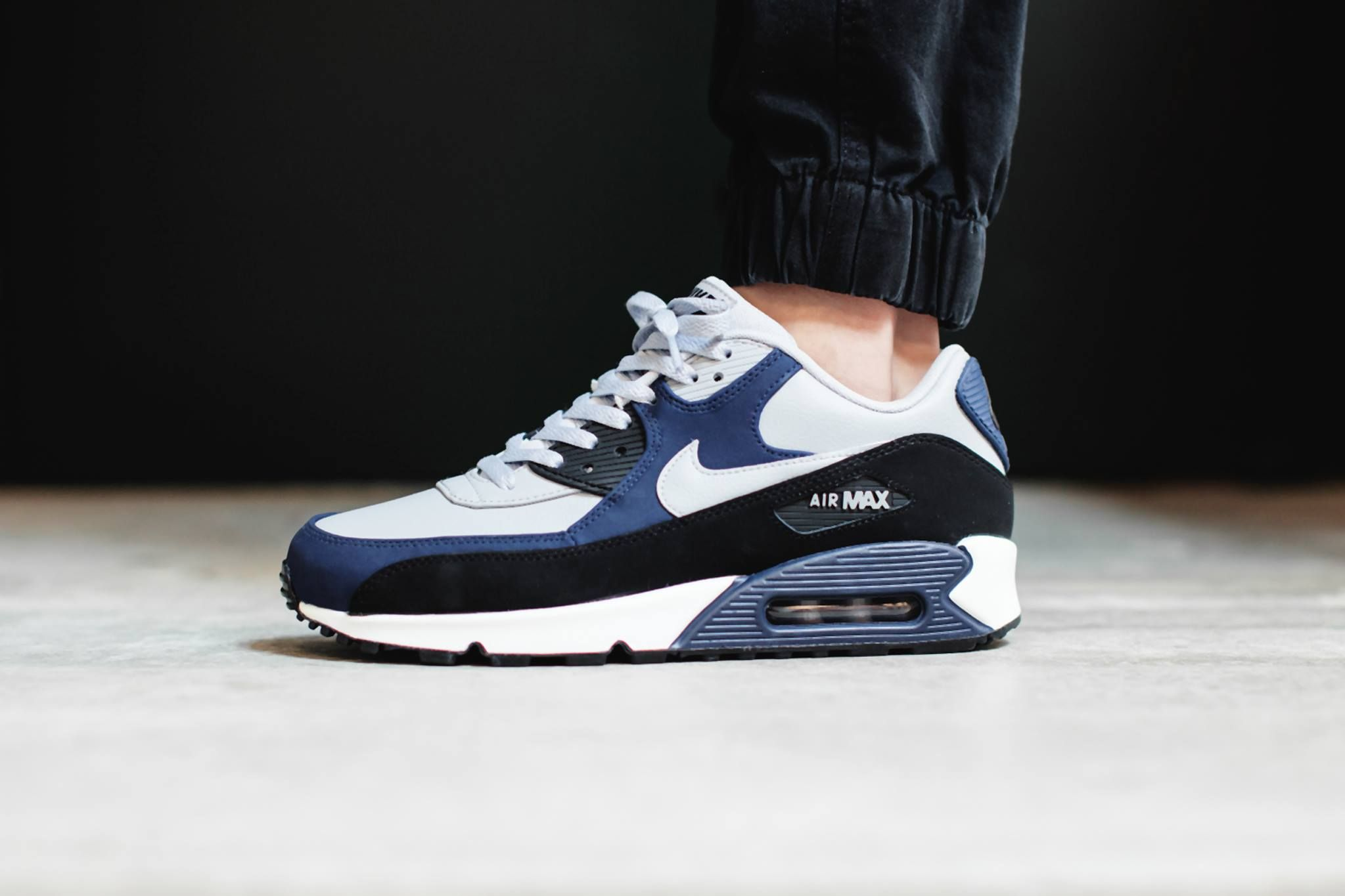 Men's Nike Air Max 90 LTR Black Blue Wolf Grey Sneakers : X71i995