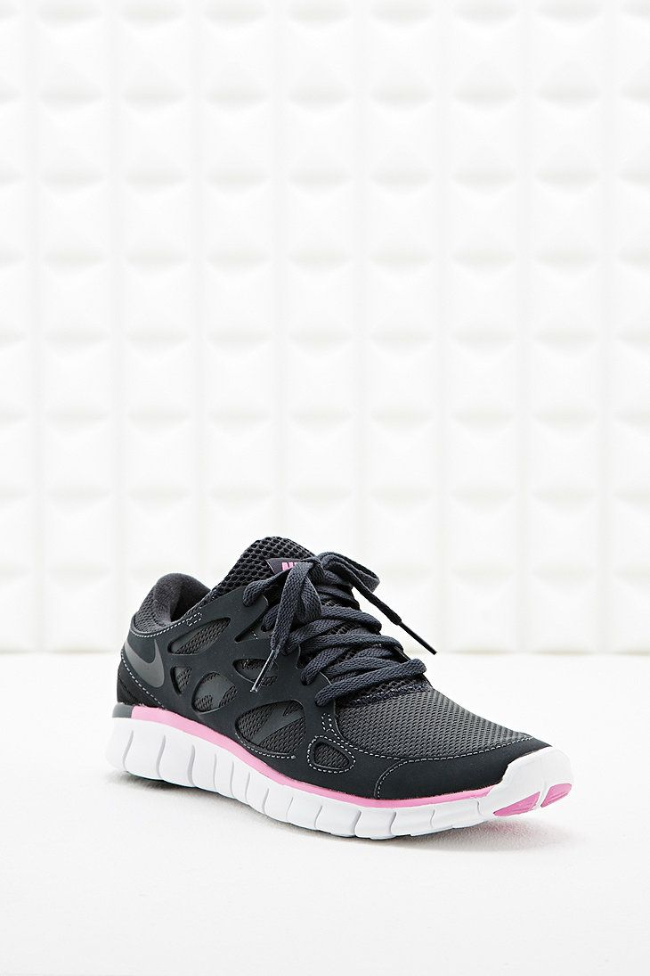 nike free run v2 trainers in black and pink to do