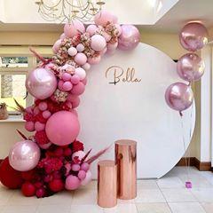 "Baby Shower Connoisseur auf Instagram: ""Bella´s pinkes Ombré-Geburtstags-Party-Setup @ luxe.balloon.co #balloonarch #balloongarland #balloons #birthday #babyshower # kidsbirthday ..."""