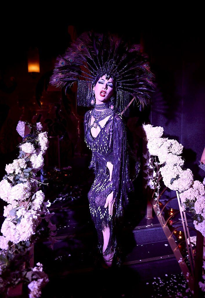 violet chachki performs at the august getty 305 cocktail party with hosts august getty and susanne