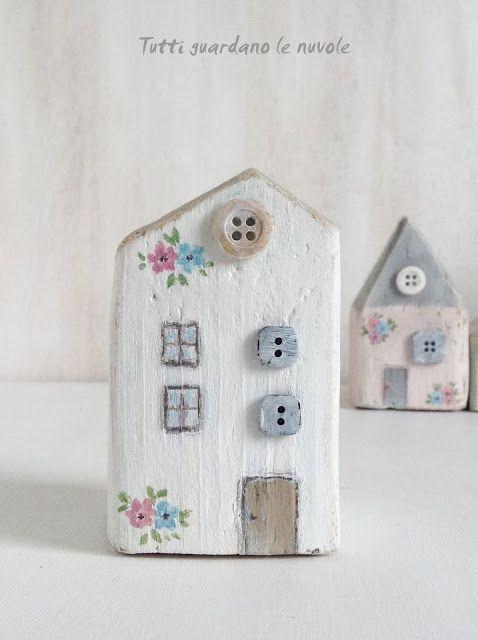 Piccole case in legno semplici da realizzare dipinte a for Progetti in legno da realizzare