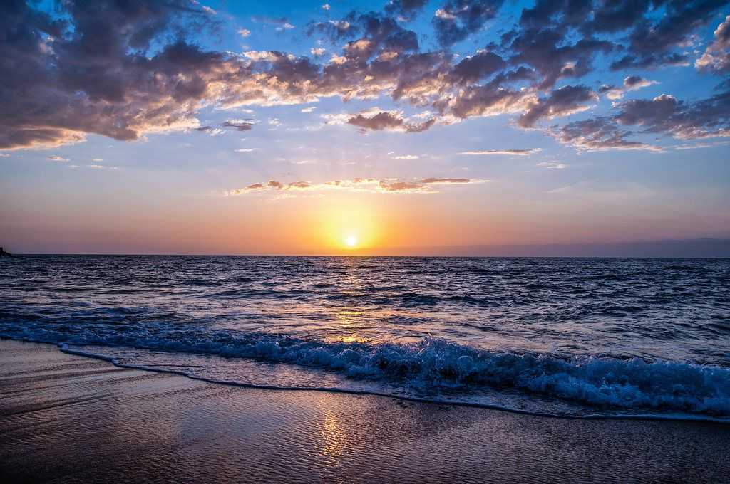 Clouds And Dawn On A Beach 4k Wallpaper California Wallpaper Sunset Photos Sunset Color Palette