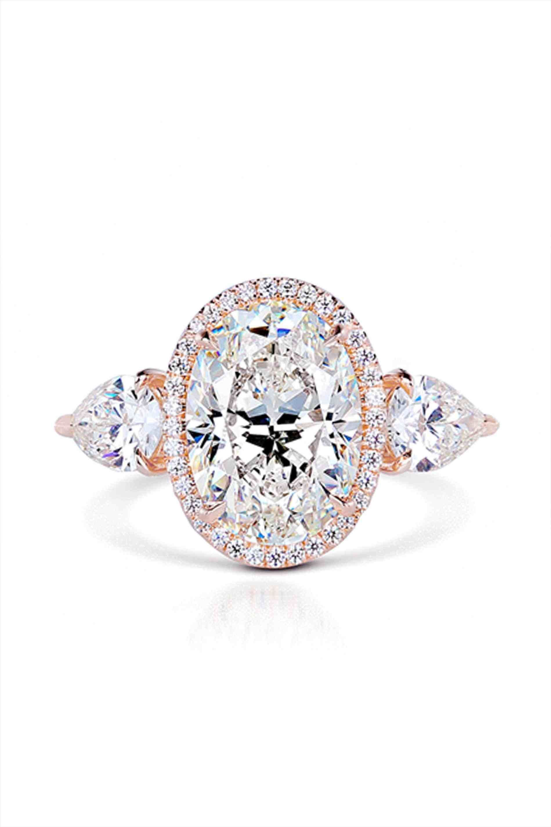 Rose gold engagement rings with pink diamond in weddings