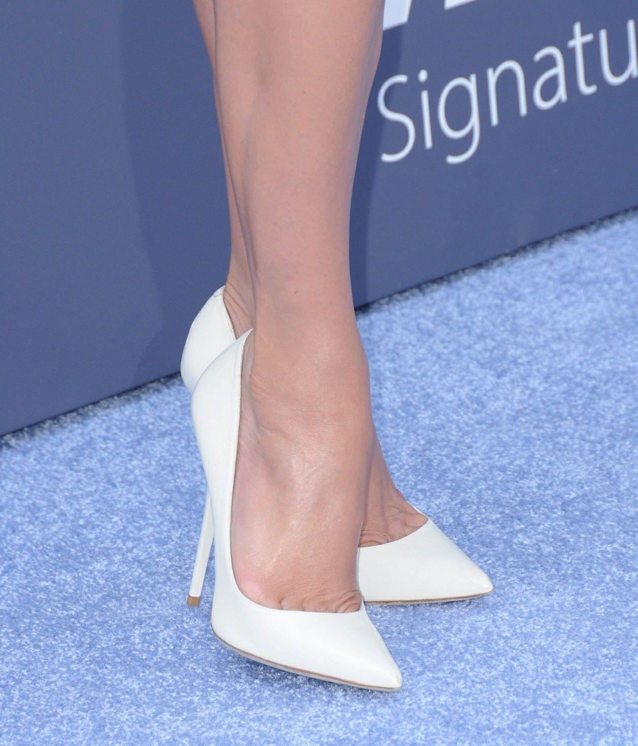 Jennifer Lopez  white pumps and toe cleavage Női Magassarkú 3a68f5a393
