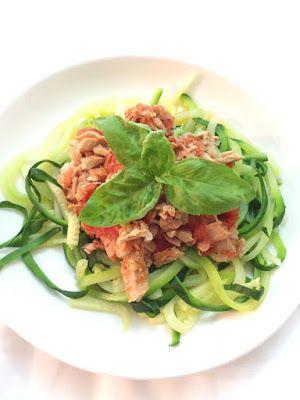 CUISINER BIEN : Zoodles mit Tomaten-Thunfisch-Sauce