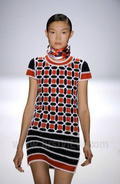 crochet dress CROCHET AND KNIT INSPIRATION: http://pinterest.com/gigibrazil/crochet-and-knitting-lovers/