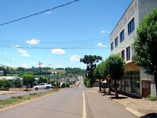 Verê, Paraná, Brasil - pop 7.853 (2014)