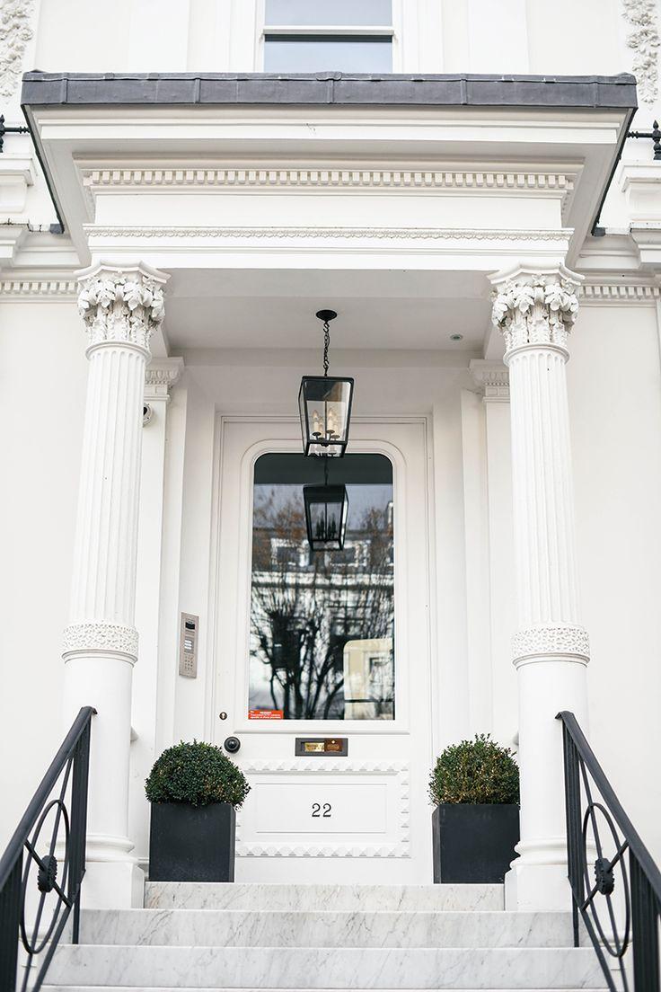 Photo of Notting Hill, London – Photo by Merritt Beck
