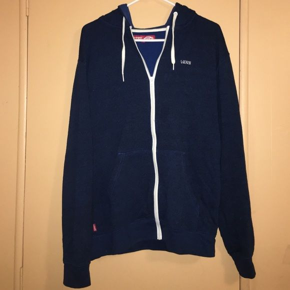 Medium-Men's blue vans sweater in good condition. Medium-Men's blue vans sweater in good condition.  -no trades -I post items at low prices. Everything must go!! -10% off bundles  -offers are welcomed ✅ -FREE gifts available. Look at my FREE listings. Comment that you want it & I'll send it with your purchase -All my items are in good condition ❣ -Next day shipping  -Thanks for shopping my closet ‼️ Vans Sweaters