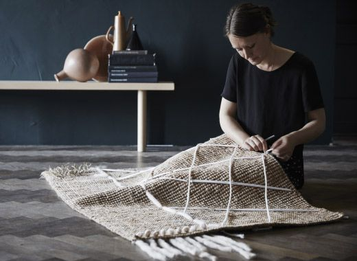 auf teppichen aus jute kannst du ganz individuelle muster anbringen daf r einfach ein paar. Black Bedroom Furniture Sets. Home Design Ideas