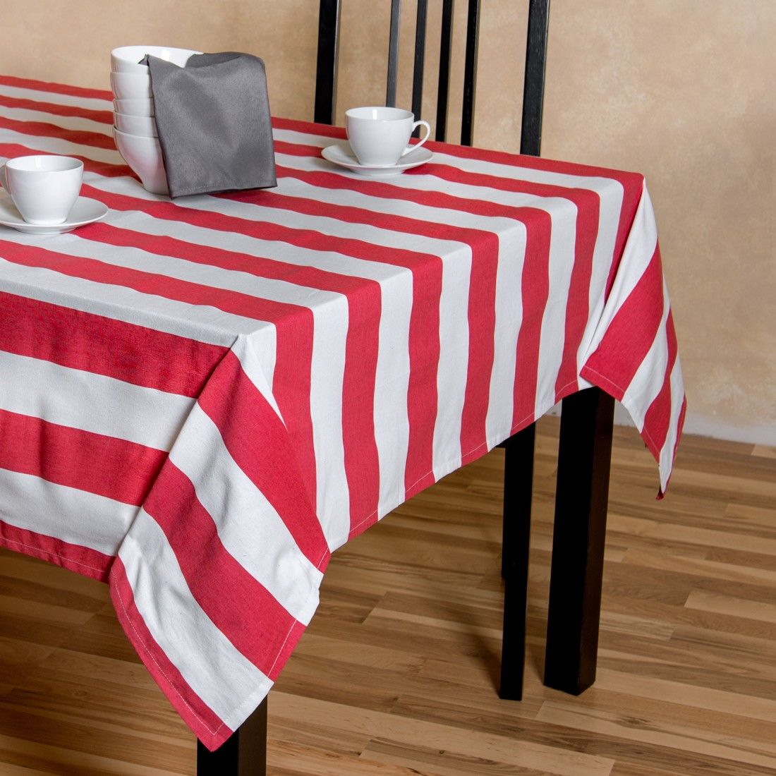 Buy Striped Cotton Tablecloths At Linentablecloth. The Laid Back Style Of  Our Red U0026 White Stripes Dining Collection Is Reminiscent Of A Day At The  Beach.
