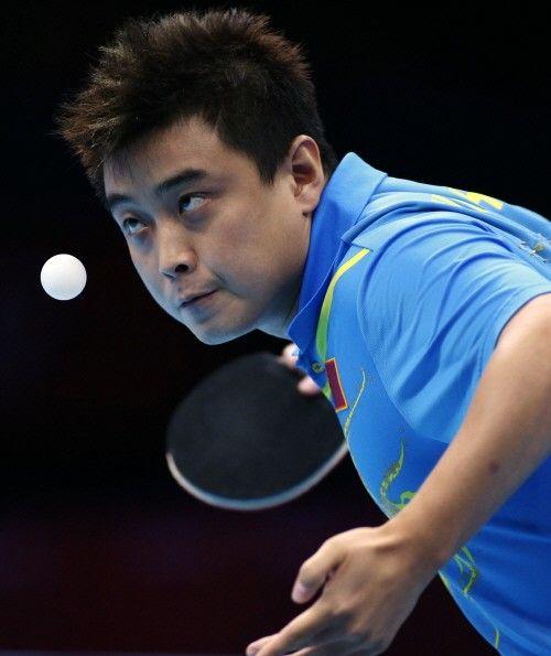 중국 탁구 간판스타 왕하오가 세 번째 올림픽 도전에서 고배를 마셨다.    왕하오는 3일(한국시간) 영국 런던의 엑셀 런던 노스아레나에서 열린 2012 런던올림픽 남자 단식 결승에서 장지커에게 1-4로 패했다.