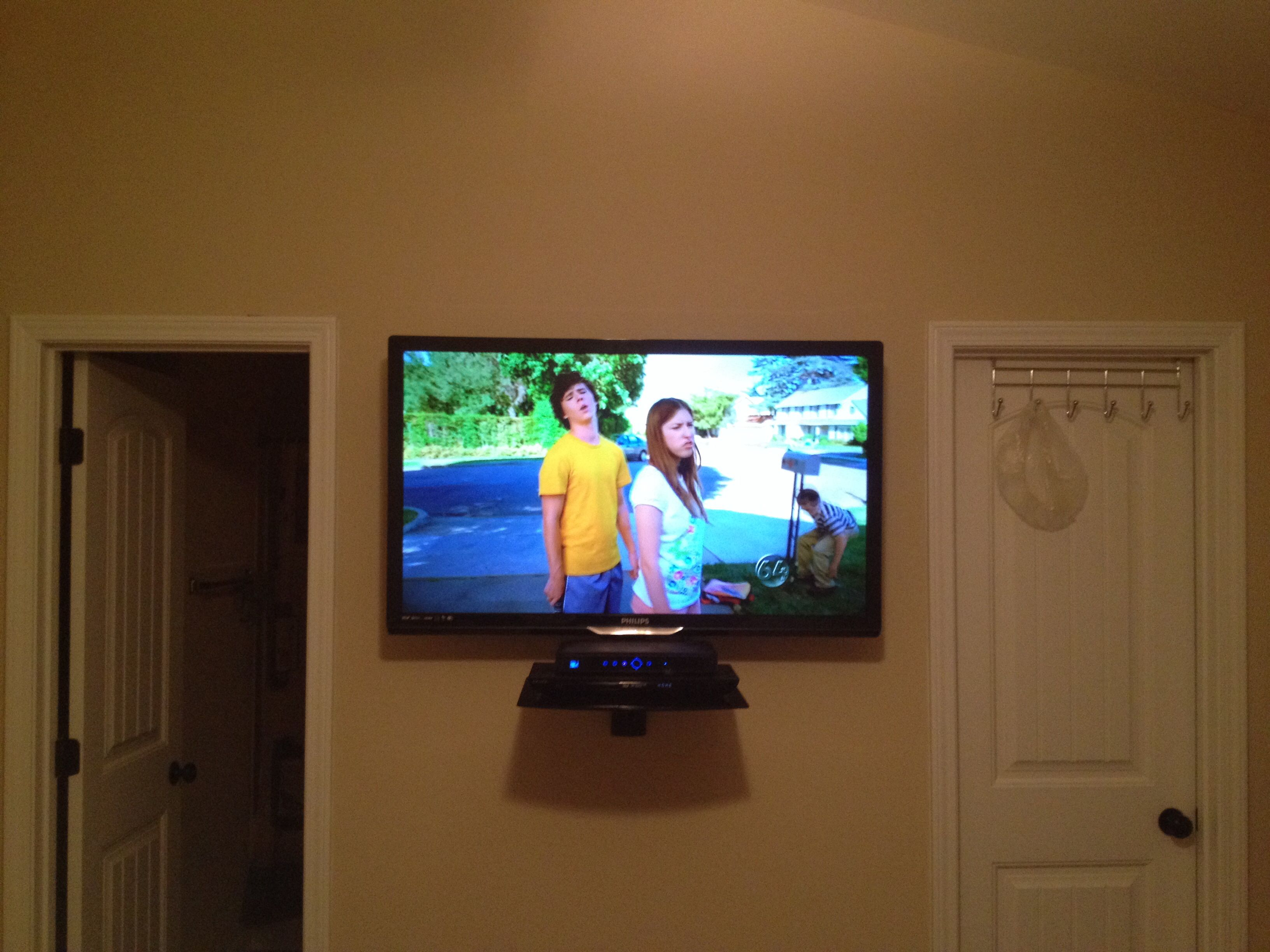 Led Tv Wall Mount Installation With Floating Glass Shelf For Cable