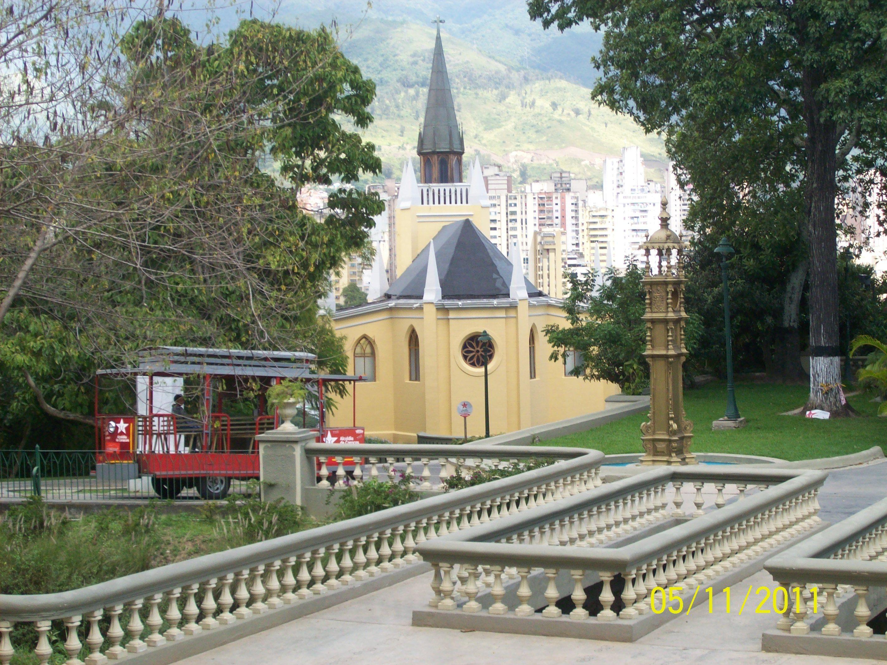 Capilla Nuestra Sra De Lourdes Parque El Calvario Caracas Venezuela House Styles Mansions House