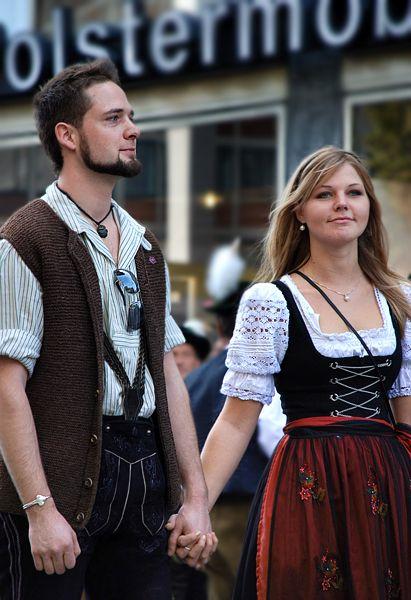 Trajes típicos de Alemania.  00fc2a2e4d3