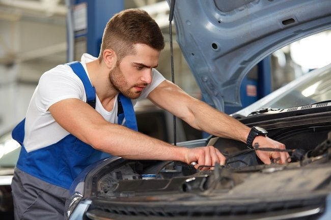Get in Touch With a Car Mechanic Who Has the Right Expertise to Repair Your Vehicle