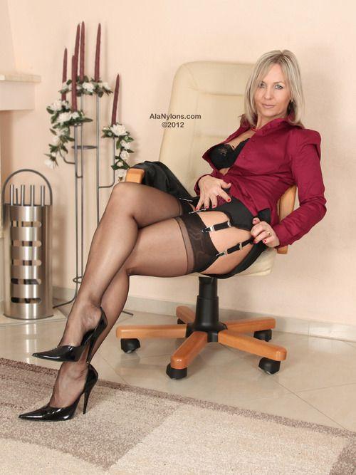 Milf nylon stockings