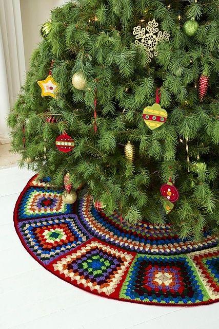 granny tree skirt pattern by ann regis crochet crochet treefree crochet granny square christmas tree skirt pattern