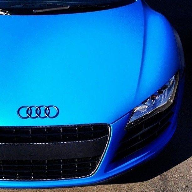 Audi R8 matte blue azzurra