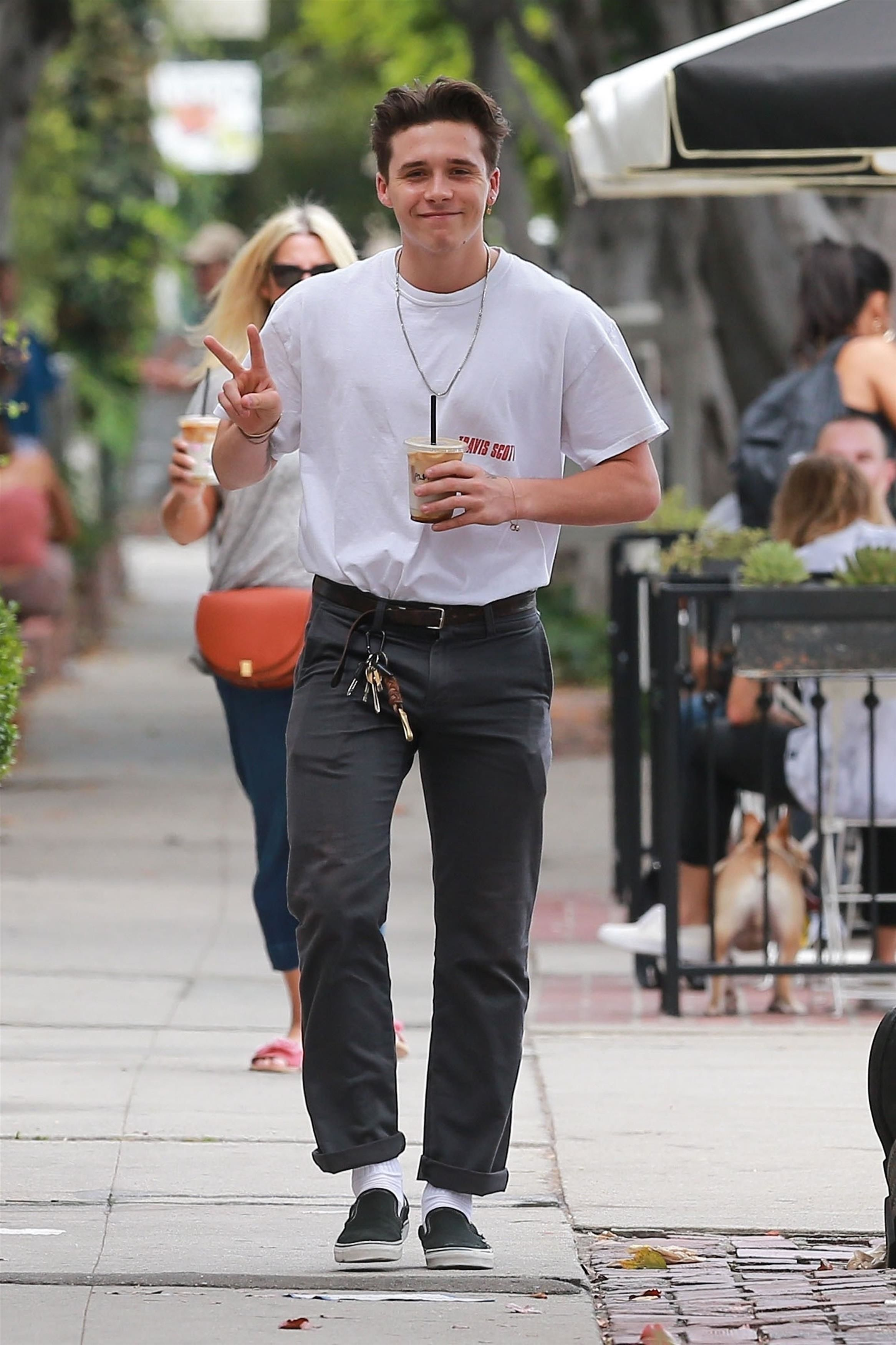 brooklyn beckham wearing vans authentic chino pants vans