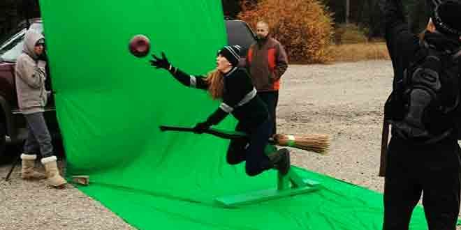 Filming Gryffindors Greenscreen Harry Potter Memes Harry Potter Quidditch