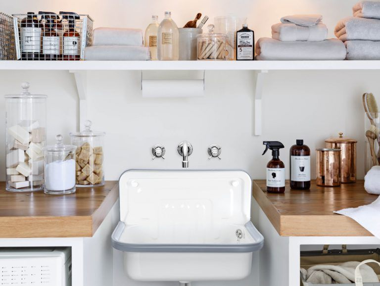Salle de bain esprit atelier, vasques rétro, verrière bathroom