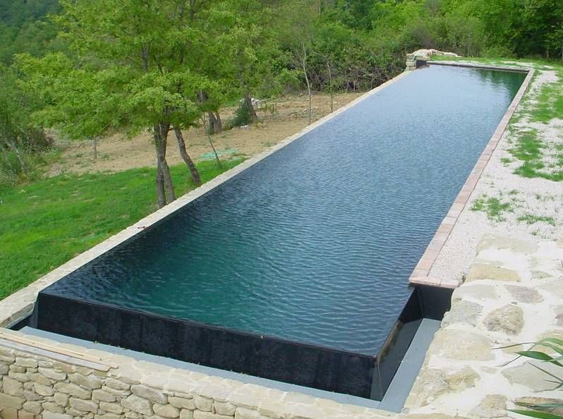 Piscine avec un rev tement en membrane arm e piscine for Piscine irrijardin