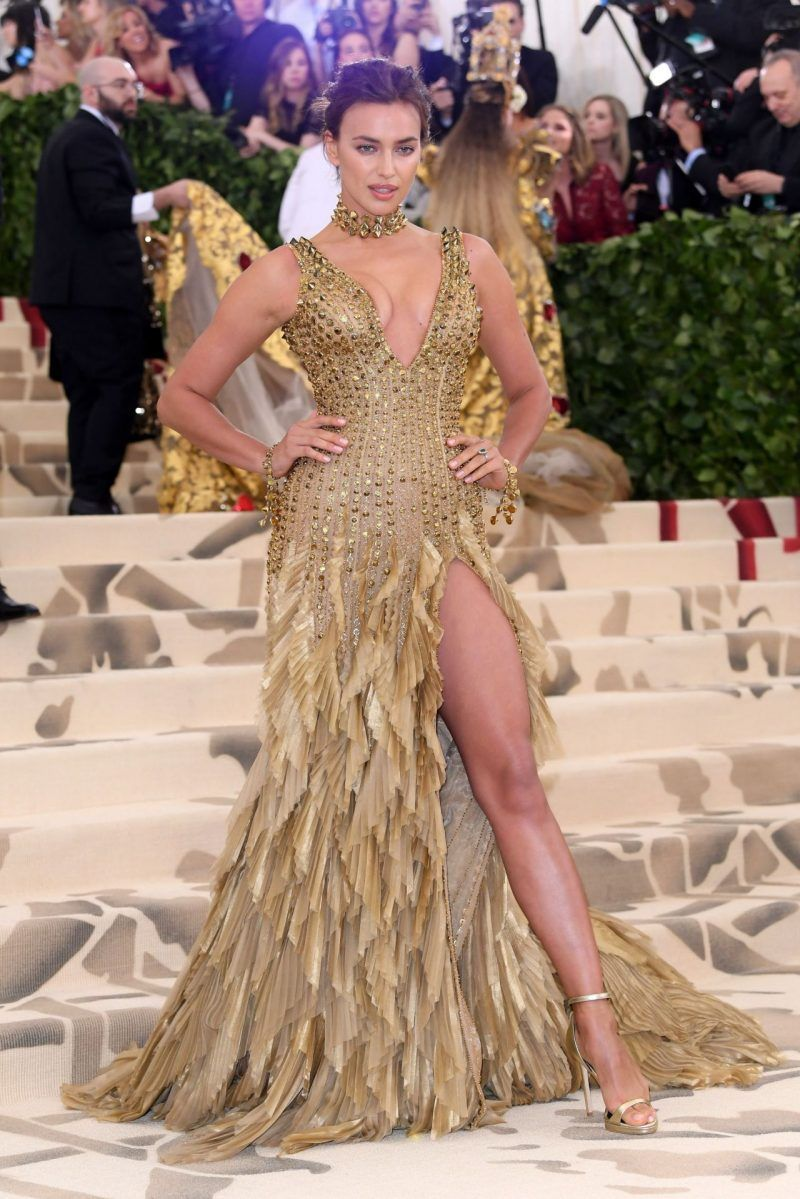 The Met Costume Institute Gala 2018 Heavenly Bodies Fashion And The Catholic Imagination Fab Fashion Fix Irina Shayk Met Gala 2018 Nice Dresses