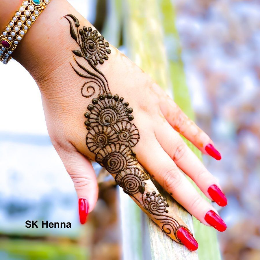 Stylish Back Hand Simple Arabic Mehndi Designs 2020 Images In 2020 Mehndi Designs Mehndi Designs For Hands Simple Arabic Mehndi Designs